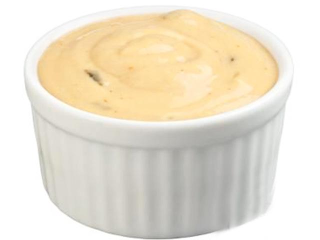 1/2 kostky m�kk�ho tvarohu (125 g), 2 l��ce dobr oleje, l l��ce citr�nov� ���vy, 1/2 l�i�ky cukru, 1/2 l�i�ky soli, �petka pep�e, ml�ko.